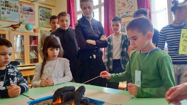 Óvodások, rókusisok együtt kísérleteztek, játszottak